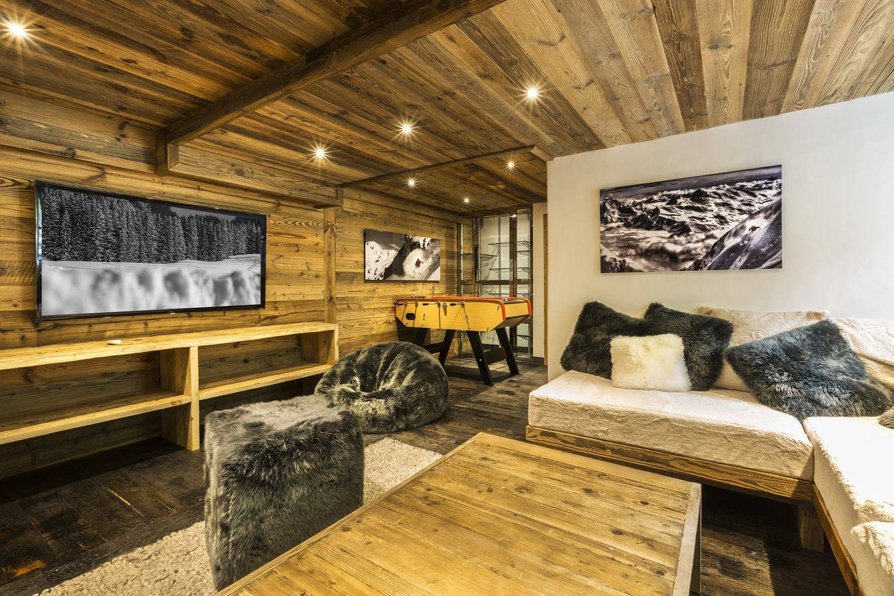 Val d'Isère Location Chalet Luxe Vasel Coin Tv