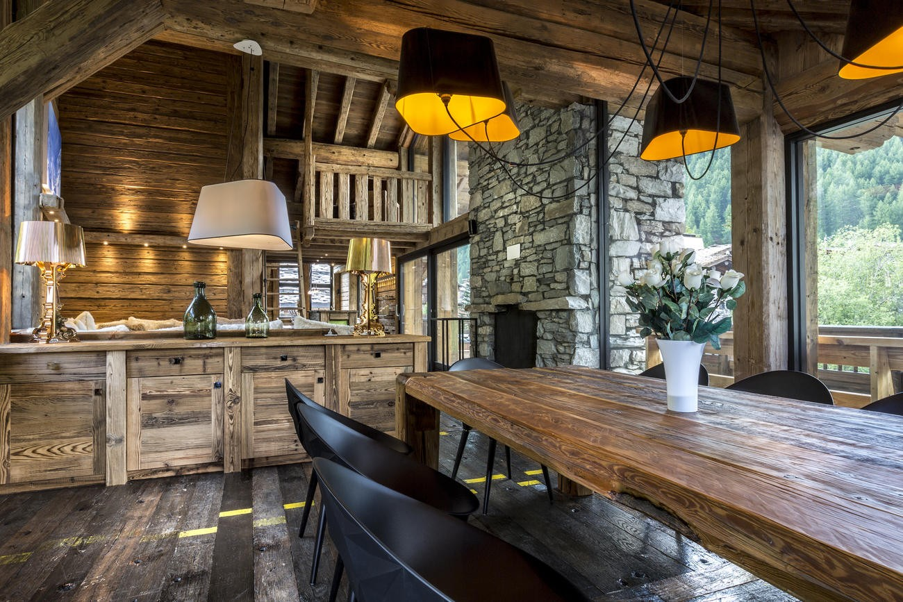 Val d'Isère Location Chalet Luxe Vasel Salle A Manger 2