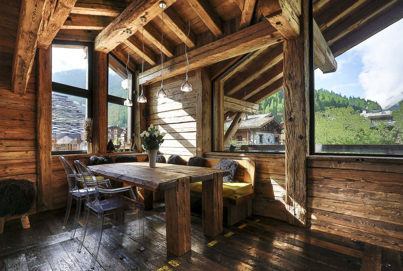 Val d'Isère Location Chalet Luxe Vasel Salle A Manger