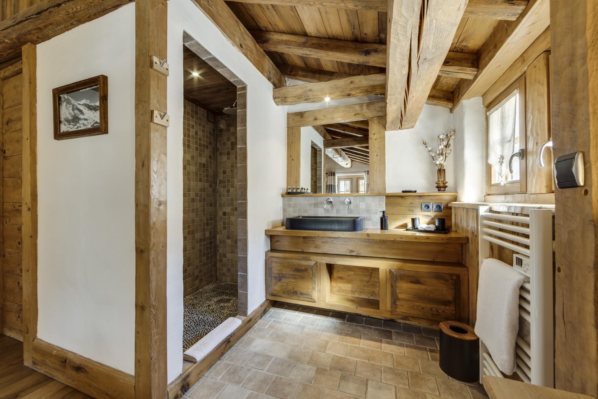 Val D'Isère Location Chalet Luxe Vonsanite Salle De Bain 3