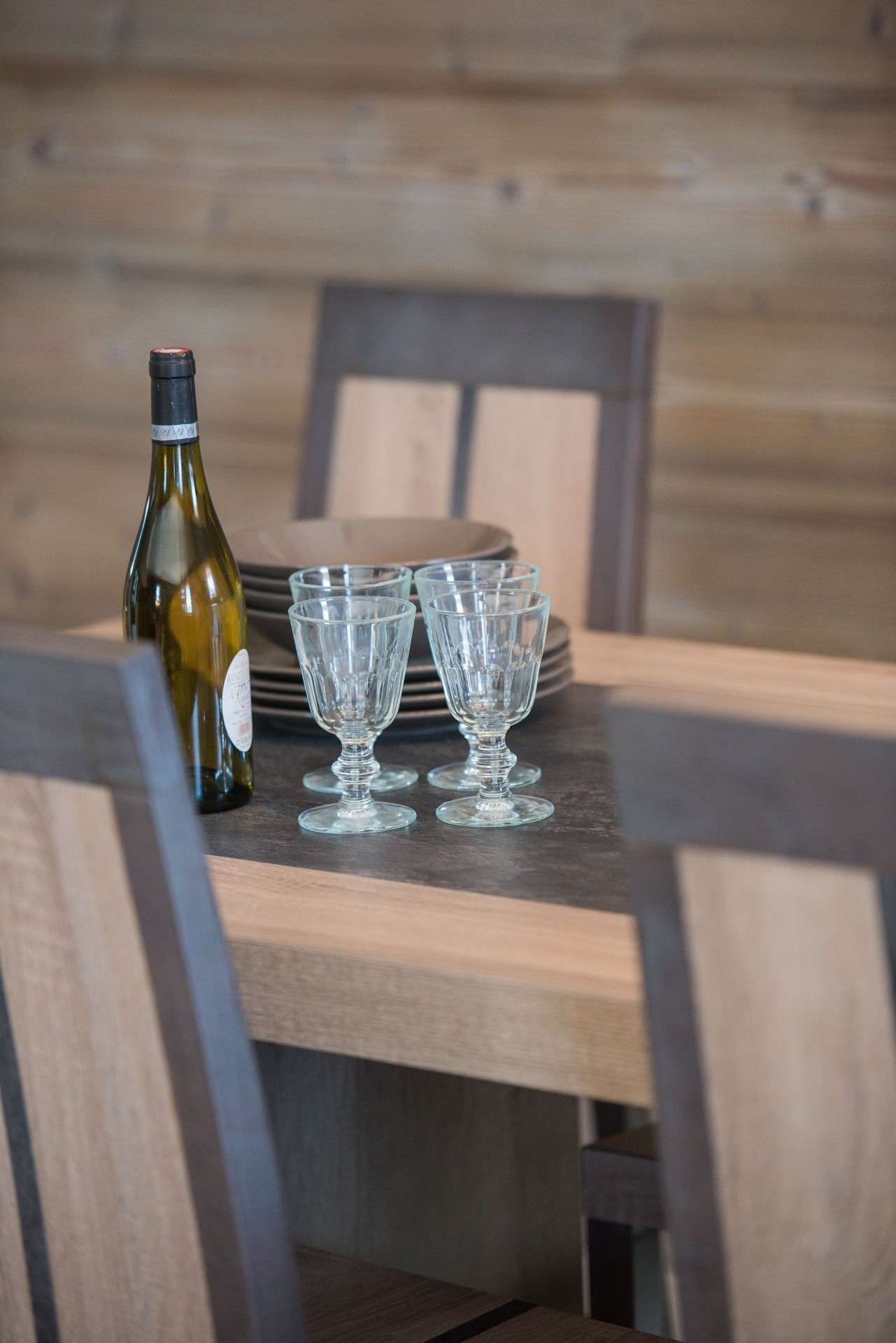 Vars Location Appartement Luxe Pennine Table A Manger