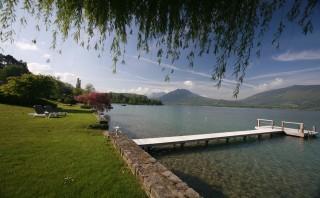 Annecy Location Villa Luxe Pierre De Canelle Ponton Prive