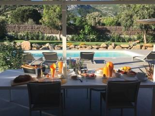 Calvi Location Villa Luxe Curcuma Table Extérieure