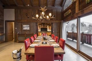 Chamonix Location Chalet Luxe Acrusite Table à Manger