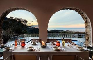 Ile Rousse Location Villa Luxe Hautigna Table