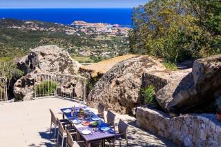 Ile Rousse Location Villa Luxe Hautigna Table Extérieure