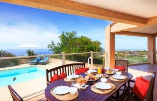Ile Rousse Location Villa Luxe Hauvia Table