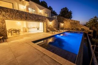 Ile Rousse Location Villa Luxe Iolite Piscine Nuit