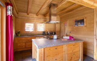 Les Deux Alpes Location Chalet Luxe Cervantite Cuisine