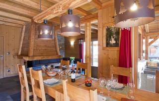 Les Deux Alpes Location Chalet Luxe Cervantite Salla à Manger 1