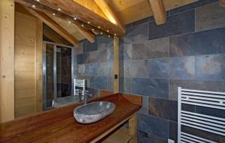 Les Deux Alpes Location Chalet Luxe Cervantite Salle de Bains