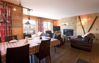 Les Deux Alpes Location Chalet Luxe Wardite Salle à Manger
