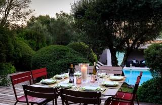 Porto-Vecchio Location Villa Luxe Pulanga Table Extérieure