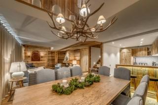 Val D'Isère Location Appartement Dans Résidence Luxe Elina Table