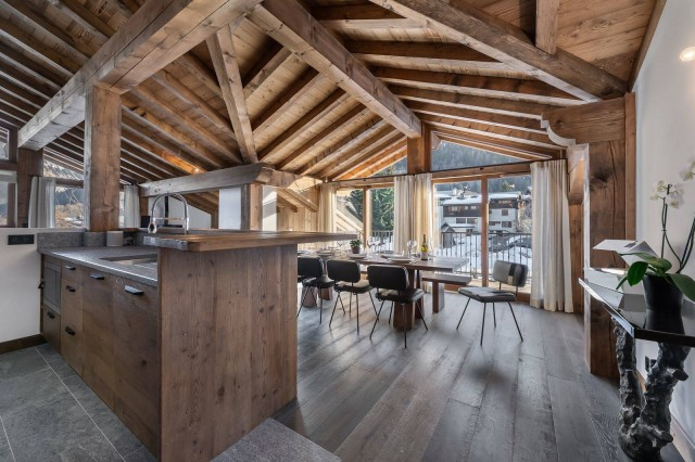 Courchevel 1300 Luxury Rental Appartment Tilanche Dining Area