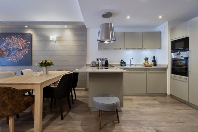 Courchevel 1650 Luxury Rental Appartment Apatite Kitchen