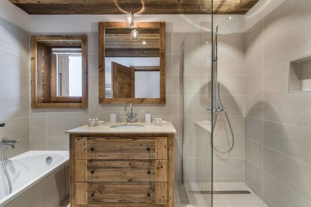 Courchevel 1650 Luxury Rental Chalet Ebella Bathroom