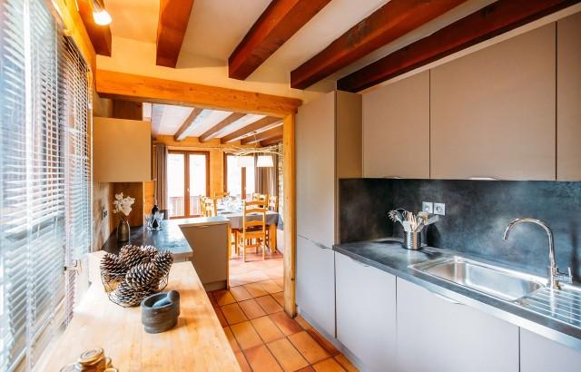 La Plagne Luxury Rental Chalet Jadéite Verte Kitchen