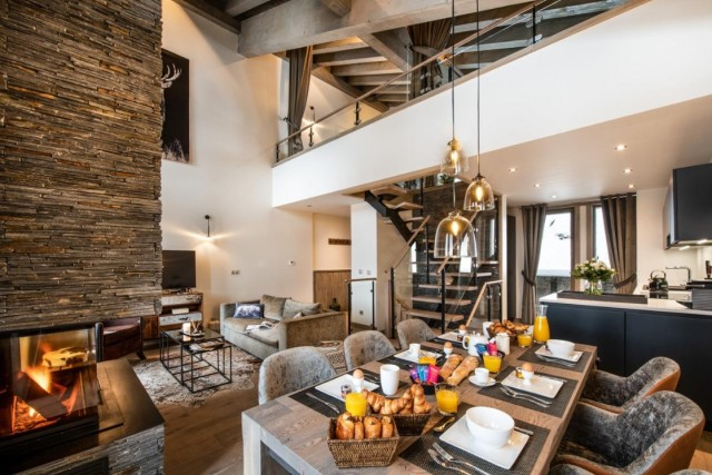 La Tania Luxury Rental Chalet Alta Dining Room