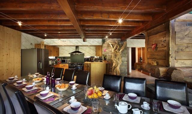Les Menuires Luxury Rental Chalet Lanigrette Dining Area