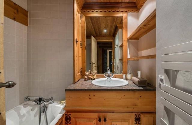 Val d'Isère Luxury Rental Appartment Danay Bathroom