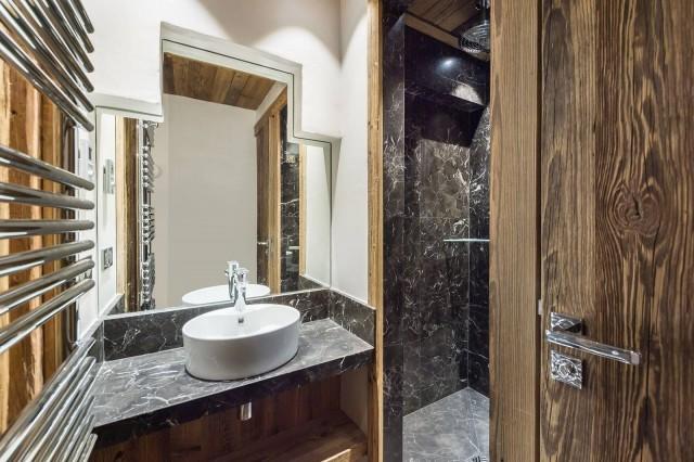 Val d'Isère Luxury Rental Appartment Tapiza Bathroom