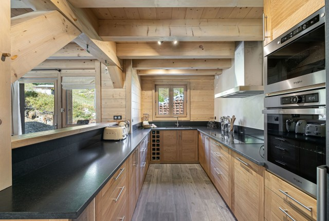 Val d'Isère Luxury Rental Chalet Eclaito Kitchen