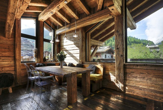 Val d'Isère Luxury Rental Chalet Vasel Dining Area