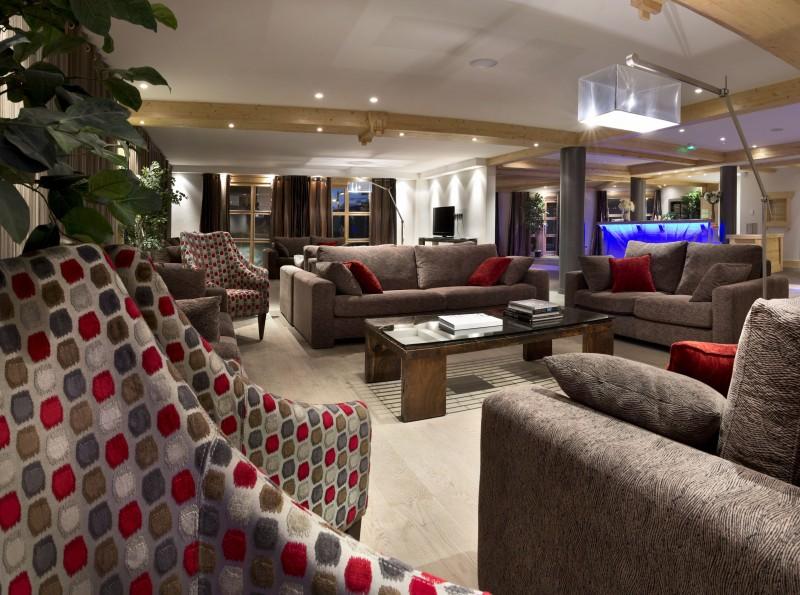 Alpes D'Huez  Location Appartement Luxe Acroitie Réception 1