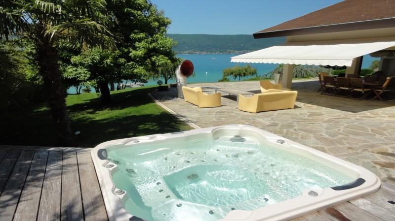 Annecy Luxury Rental Villa Pierre de Fee Jacuzzi