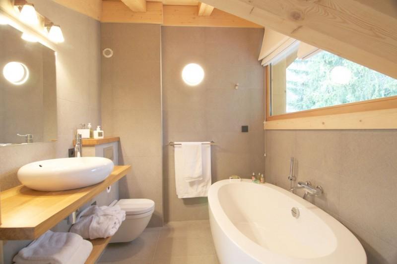 Chamonix Luxury Rental Chalet Cancrinite Bathroom 2