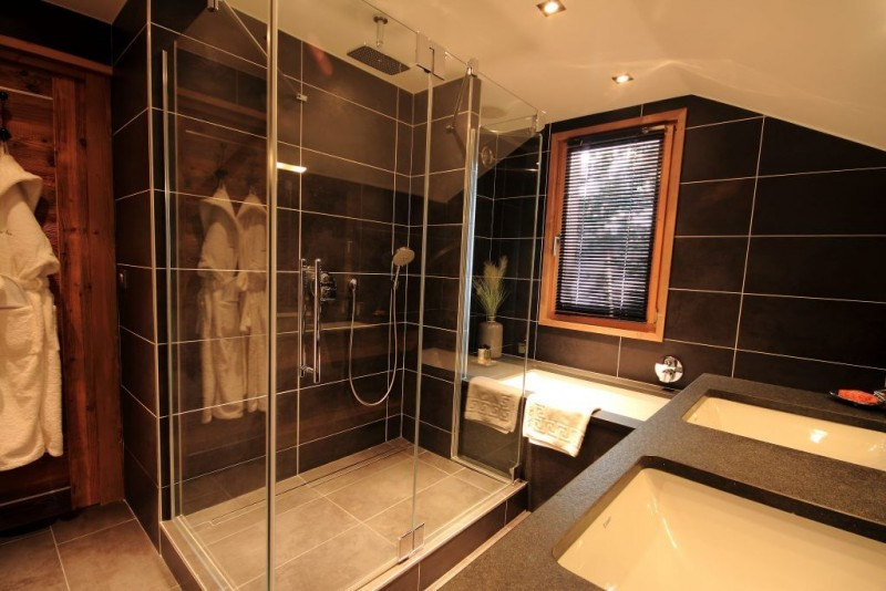 bathroom-9497