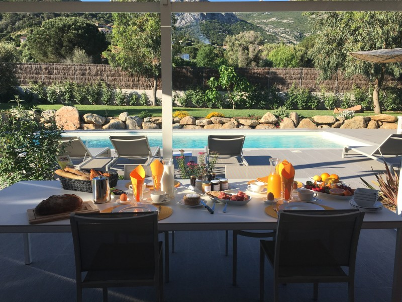 Calvi Location Villa Luxe Cubeche Table Extérieure