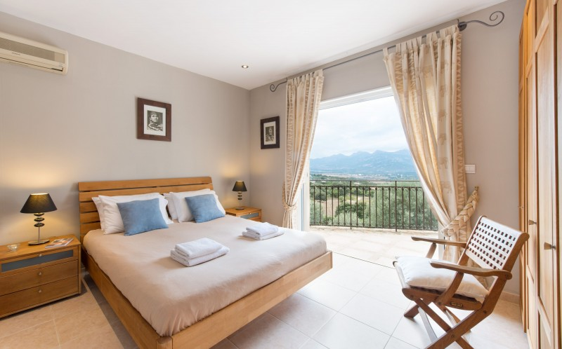 Calvi Luxury Rental Villa Diademe Royal Bedroom