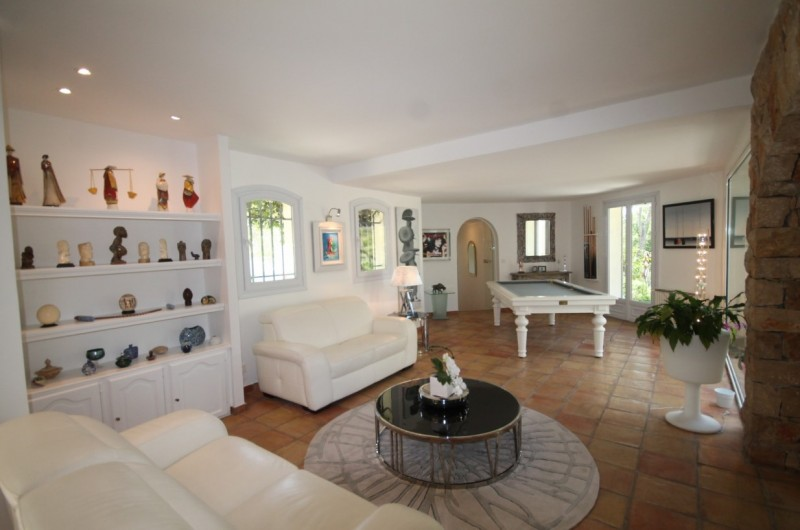 Cannes Luxury Rental Villa Calendula Living Room
