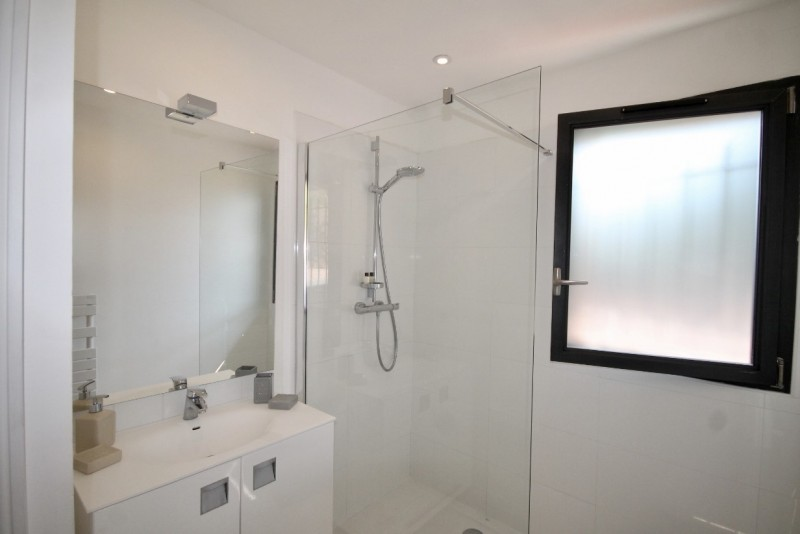 Cannes Luxury Rental Villa Colicotome Shower Room 2