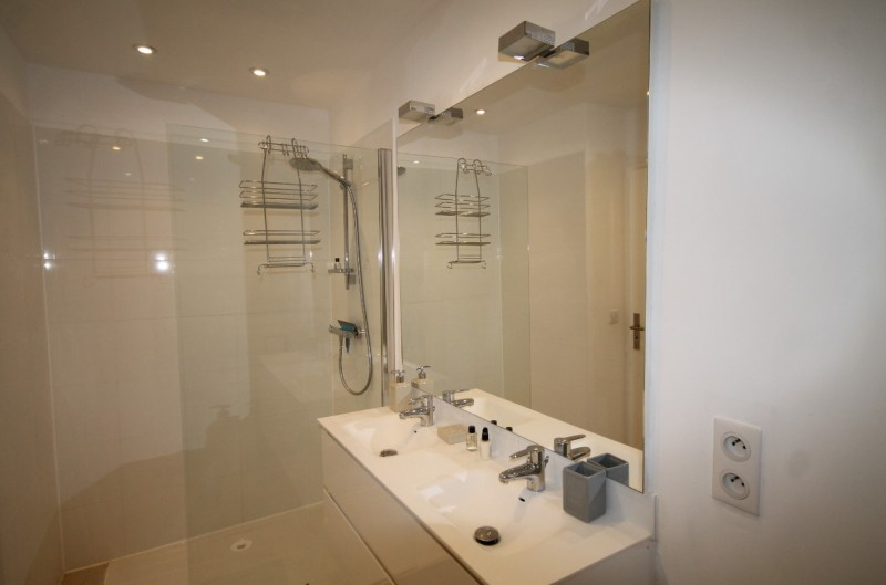Cannes Luxury Rental Villa Colicotome Shower Room
