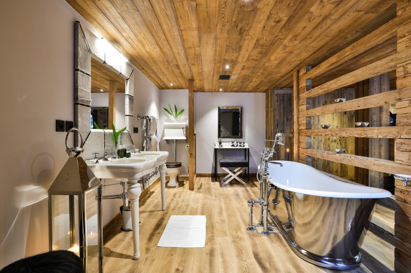 Chamonix Luxury Rental Chalet Coroudin Bathroom