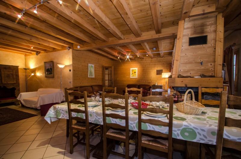 Chamonix Luxury Rental Chalet Corundite Dining Area