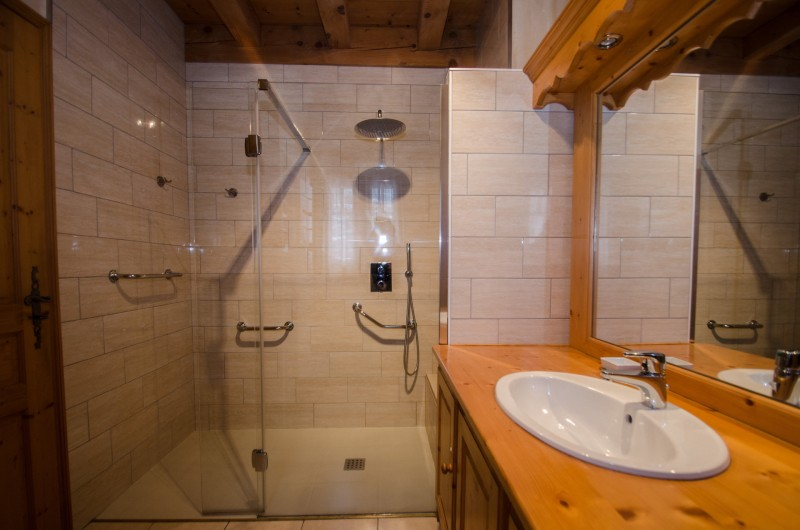 Chamonix Luxury Rental Chalet Corundite Bathroom