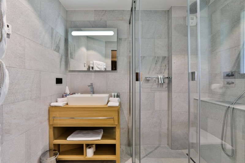 Chamonix Mont Blanc Rental Chalet Luxury Paradamete Bathroom