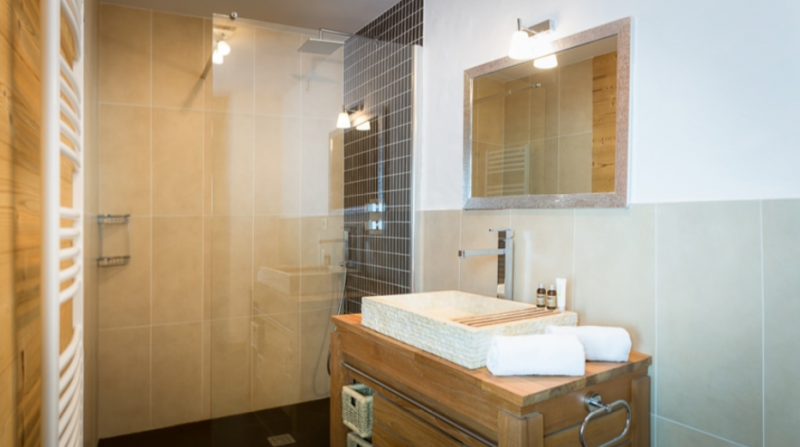Chatel Luxury Rental Chalet Chalcantite Bathroom 2