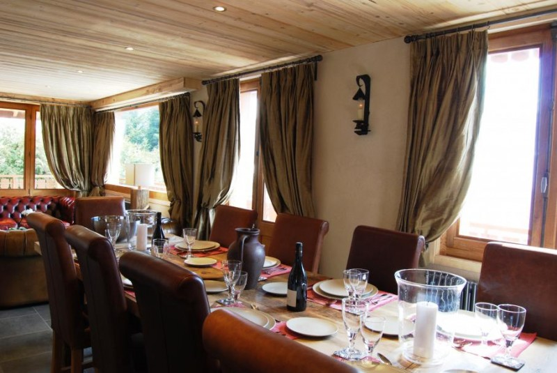 Chatel Luxury Rental Chalet Chalcori Dining Area