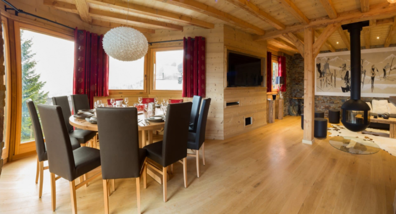 Chatel Luxury Rental Chalet Chambero Dining Area