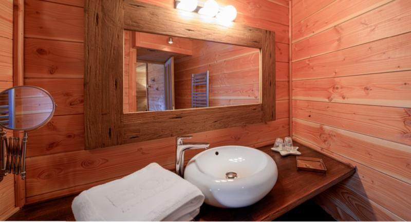 Chatel Luxury Rental Chalet Chapa Bathroom 2