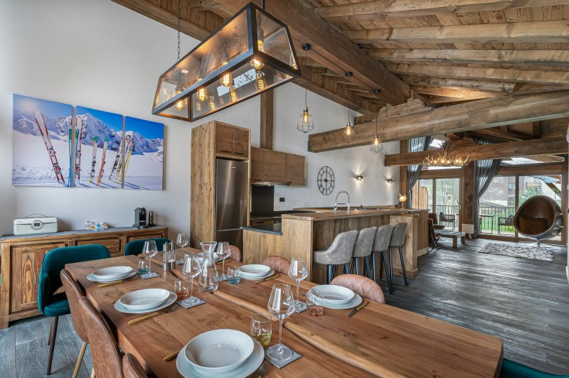 Courchevel 1300 Luxury Rental Appartment Tilante Dining Room 2