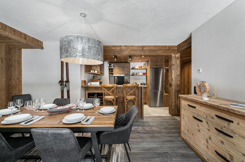 Courchevel 1300 Luxury Rental Appartment Tilate Dining Room 3