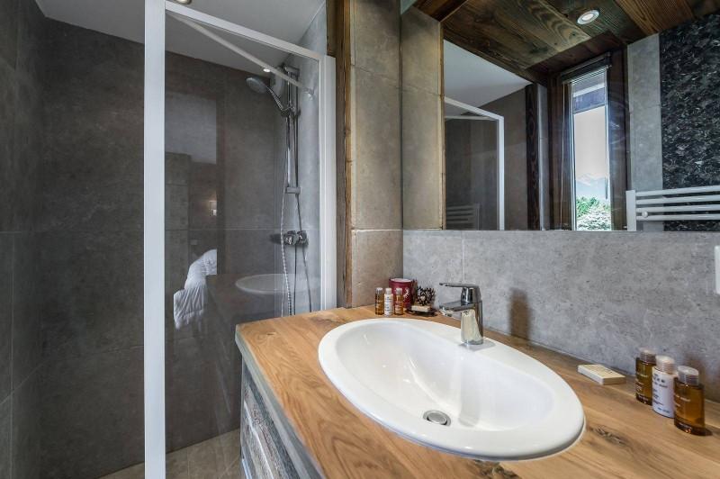 Courchevel 1300 Luxury Rental Appartment Tilure Bathroom 2