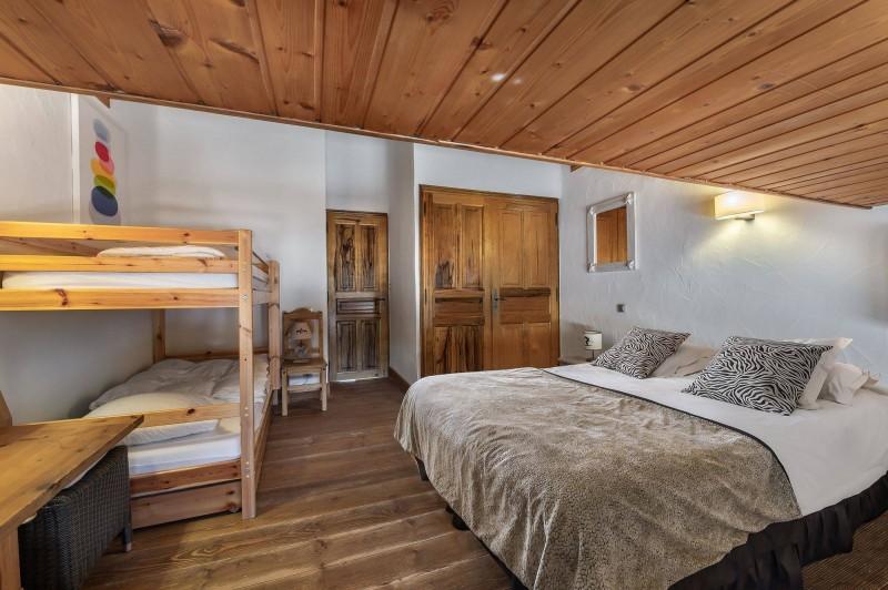 Courchevel 1300 Luxury Rental Chalet Nieruole Bedroom 4