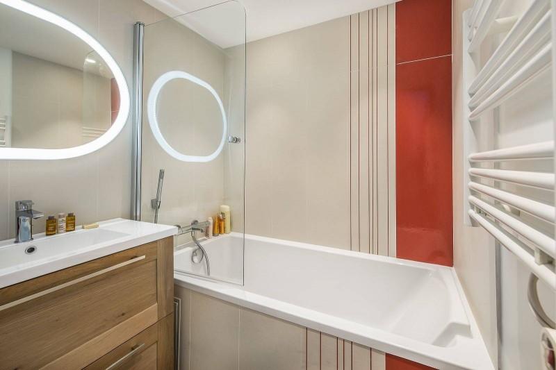 Courchevel 1300 Luxury Rental Chalet Niutine Bathroom 2